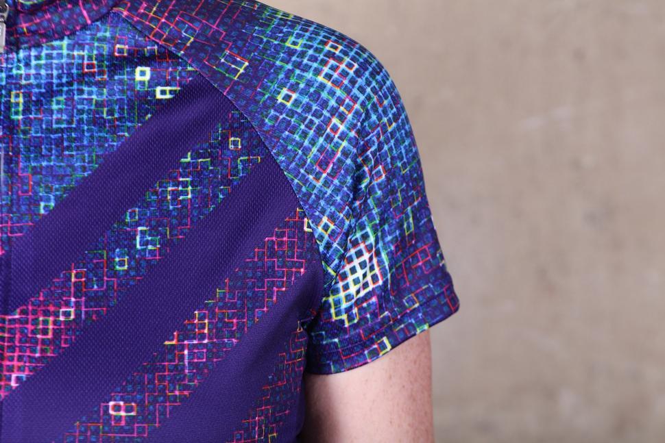 Primal Pixel18 Womens Cycling Jersey - sleeve.jpg