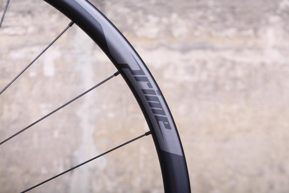 Prime RR-28 Carbon Clincher Disc Road Wheelset - rim.jpg