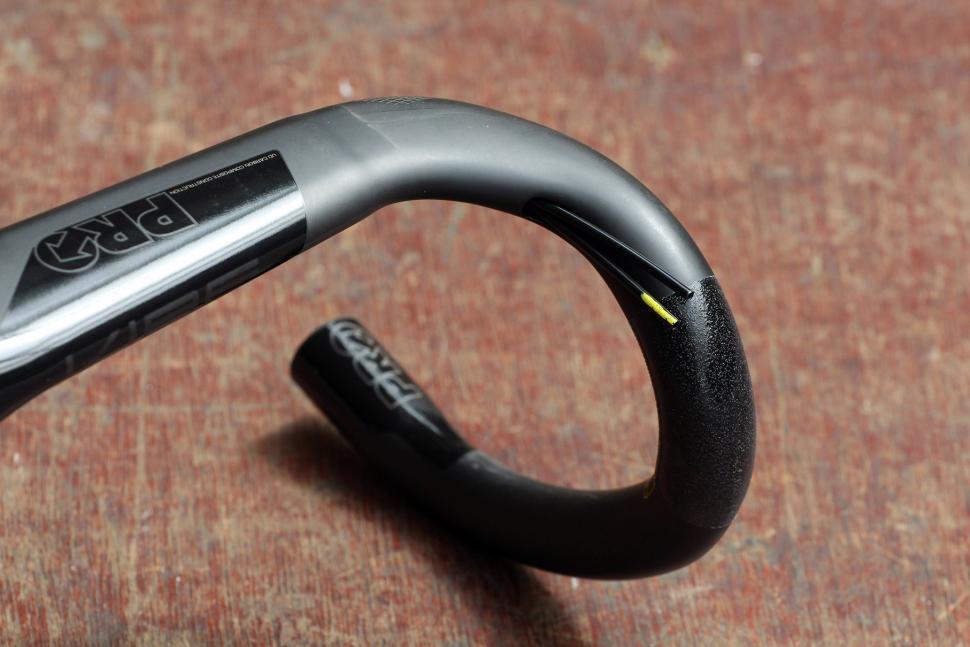 Pro Vibe monocoque UD carbon handlebar - detail 3.jpg