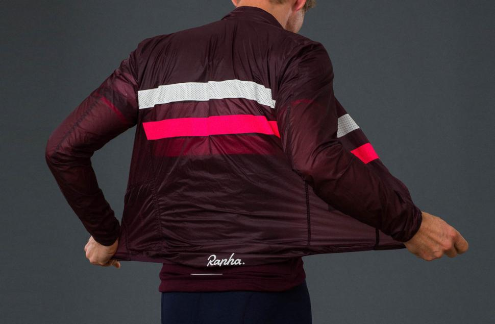rapha brevet flyweight jacket3.jpeg