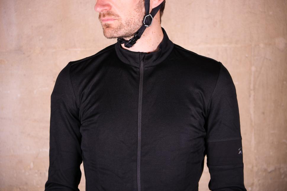 Rapha Classic Long Sleeve Jersey II - chest.jpg