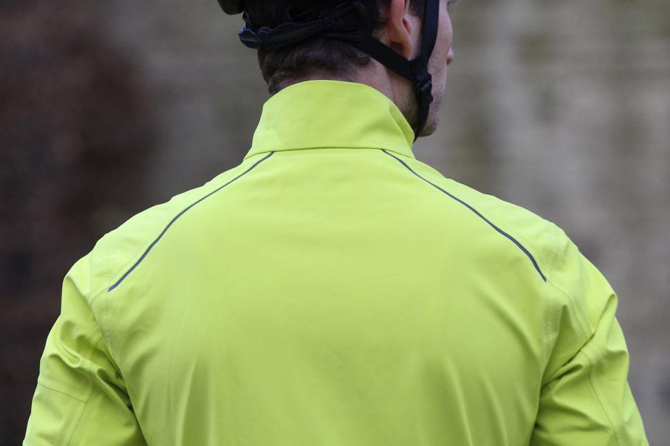 Rapha Classic Winter Jacket - shoulders.jpg