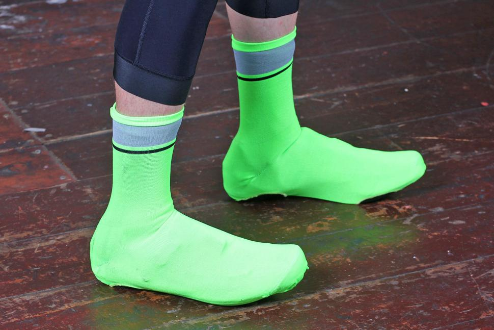 Review Rapha Reflective Oversocks Road Cc