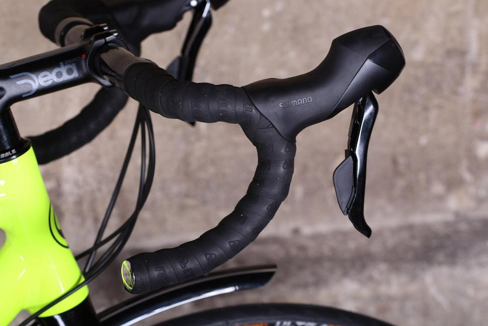 Ribble CGR - bars and shifter.jpg