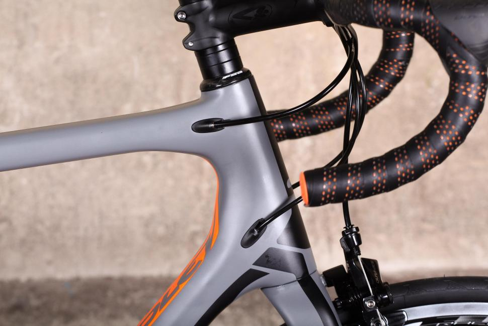 Ridley Helium SLX - cable route.jpg