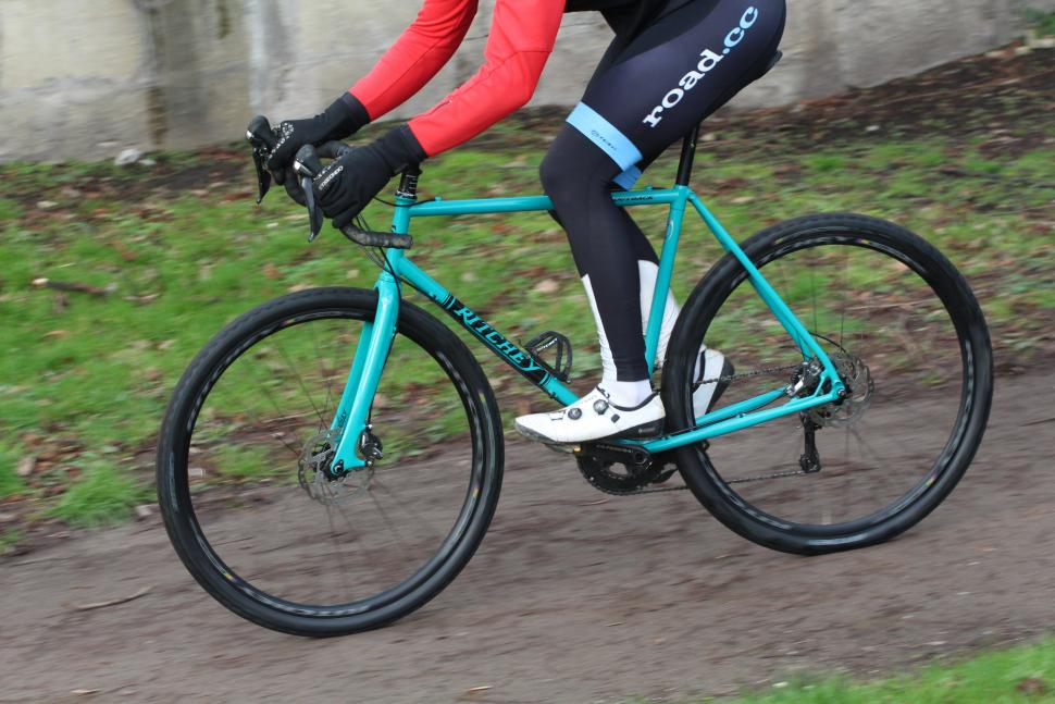 Ritchey Outback - riding 2.JPG
