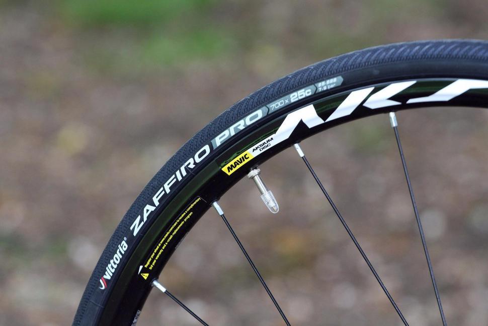Rose Pro SL - tyre.jpg