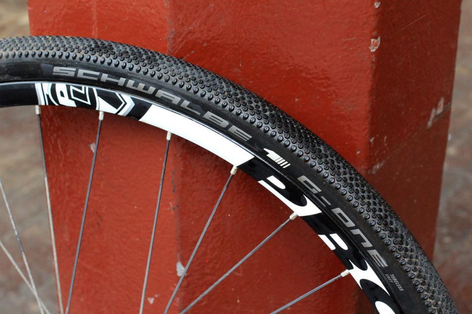 Neumáticos de carretera Schwalbe G-One