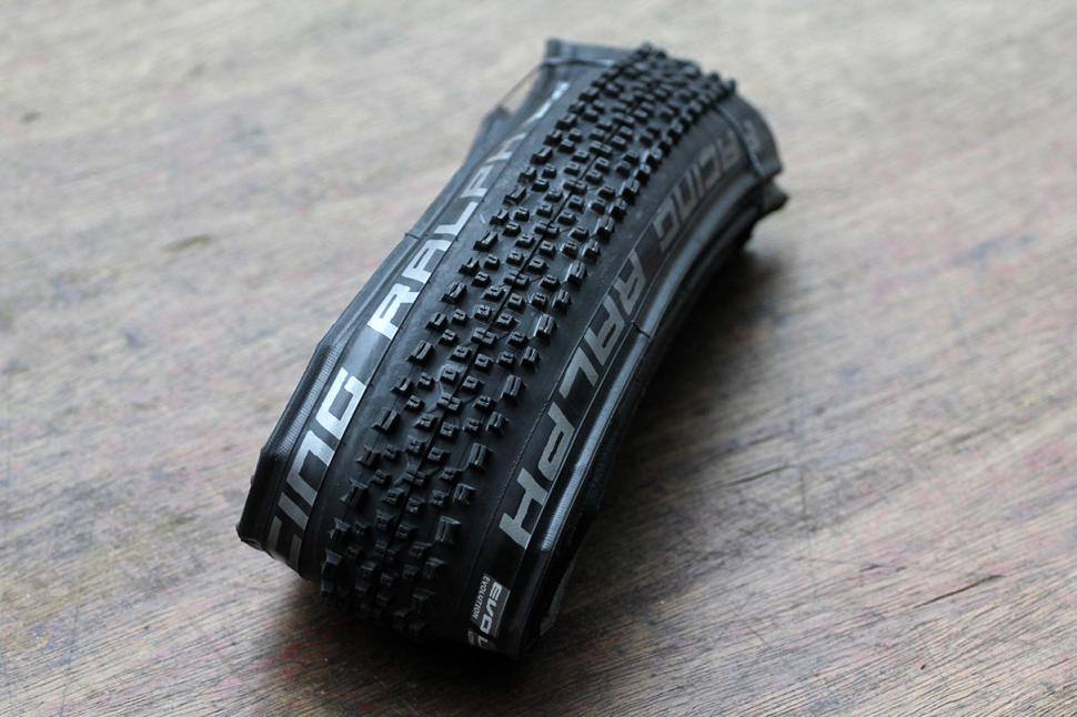 Review Schwalbe Racing Ralph Evo 33 622 Road Cc