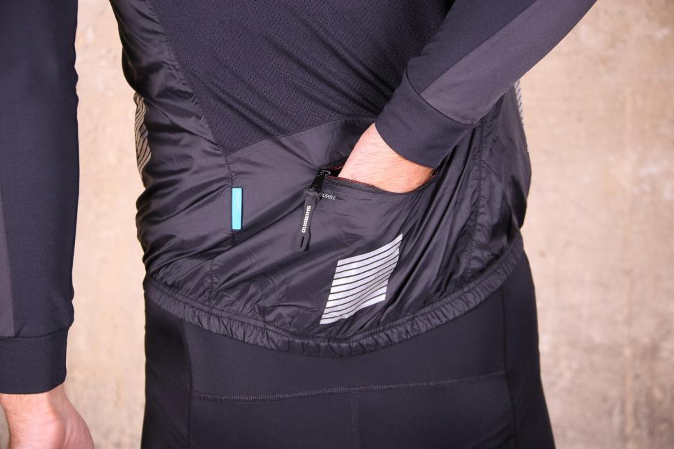 Shimano Mens Compact Wind vest - pocket.jpg