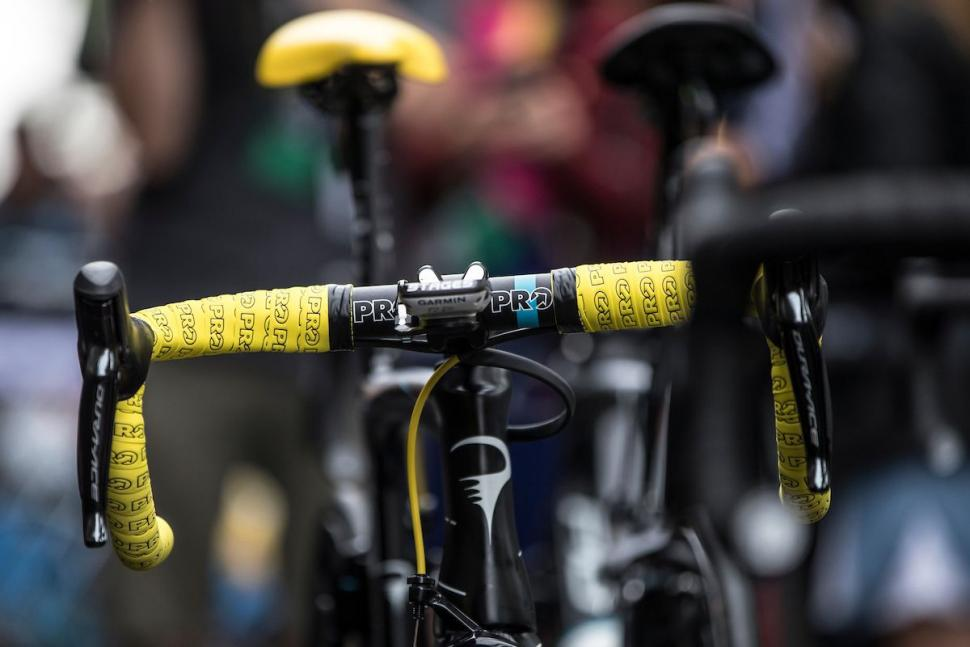 Thumbnail Credit (road.cc): Shimano PRO bar tape yellow - TDF2017- roosenboom2139.jpg