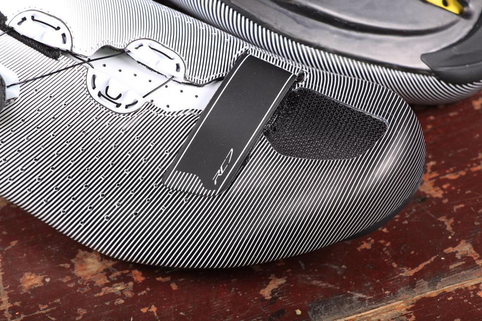 Shimano RC7 SPD-SL shoes - velcro.jpg