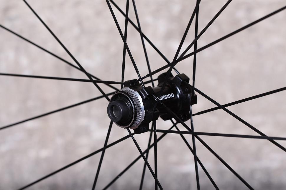 Shimano RX31 wheelset - front hub 2.jpg