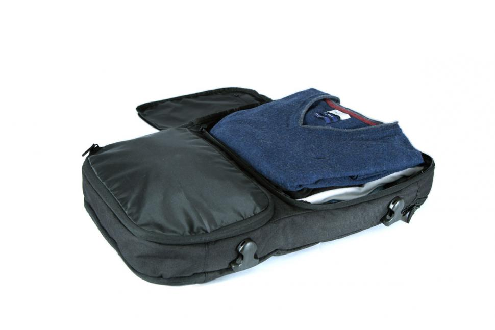 Slicks Travel System - Tripcover-with-clothes.jpg