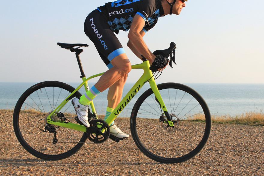 specialized-diverge-riding.jpg