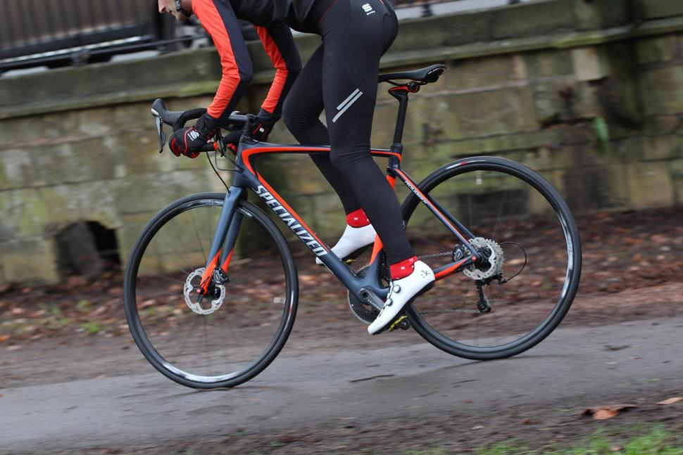 Specialized Roubaix Expert - riding 4.jpg
