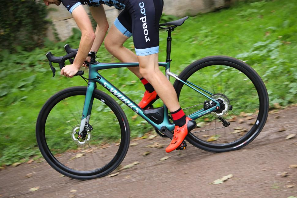 Specialized S-Works Diverge - riding 2.jpg