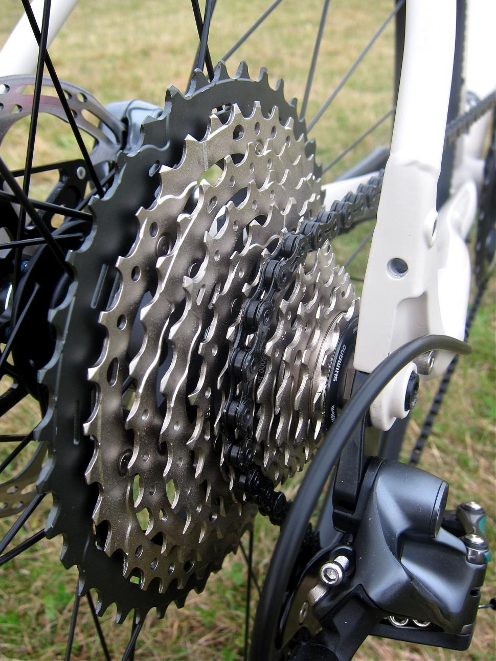 Specialized Sequoia Expert - Shimano XT Cassette Side.jpg