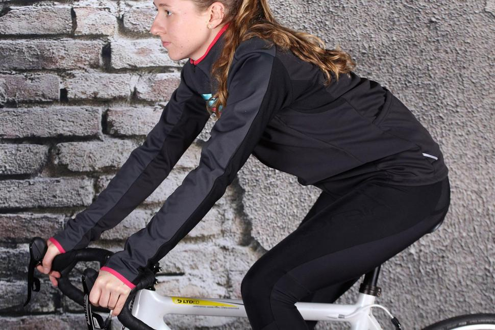 Sportful Allure Softshell Jacket - riding.jpg