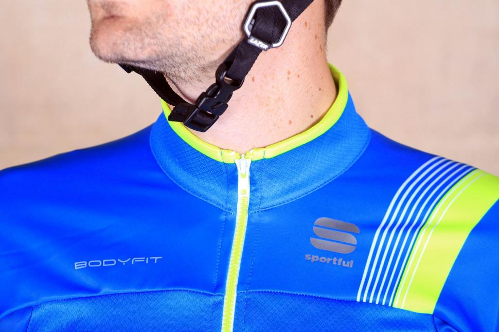 Sportful Bodyfit Thermal Jersey - collar.jpg