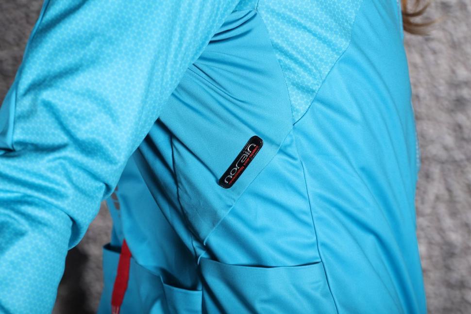 Sportful Fiandre Light WS W Jacket - Norain logo.jpg