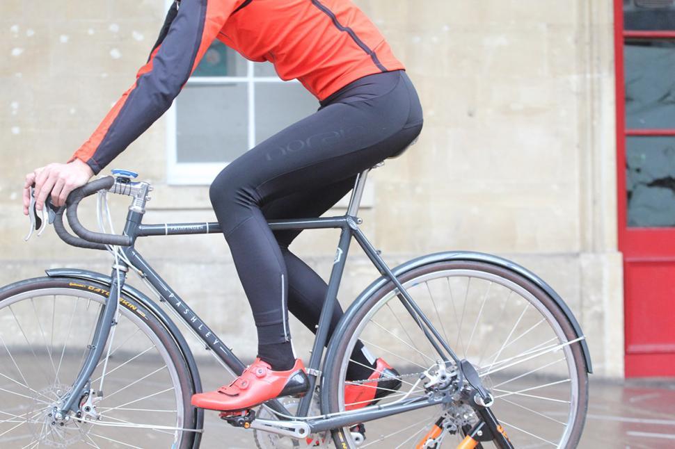 Sportful Fiandre No-Rain Bib Tights - riding.jpg