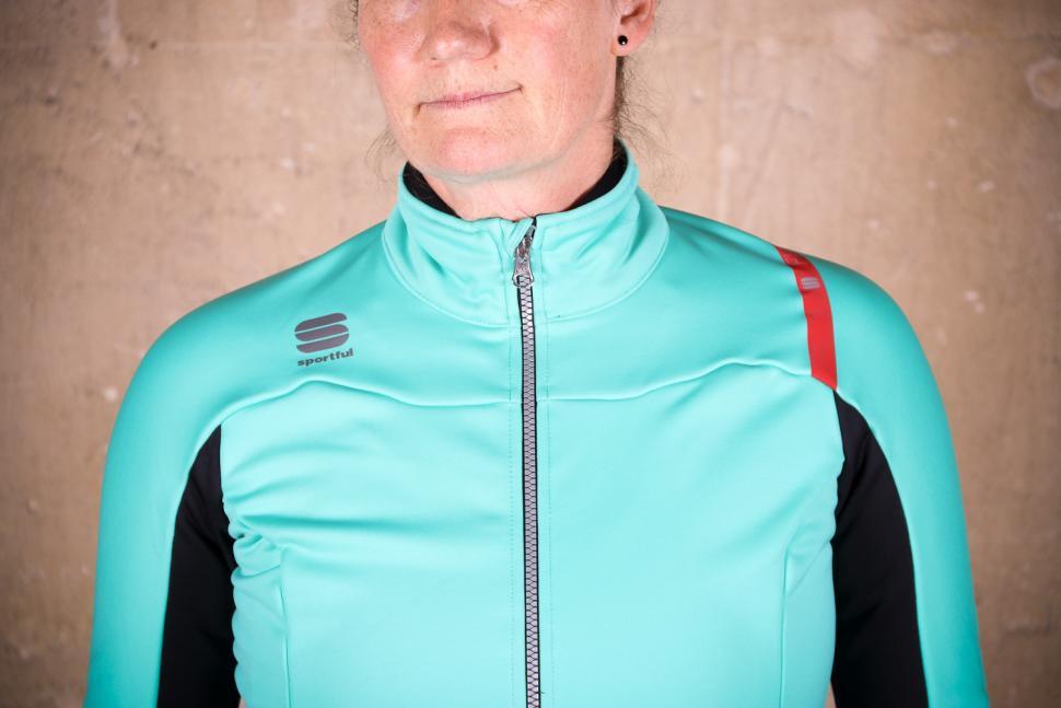 Sportful Fiandre Norain W Jacket - chest.jpg
