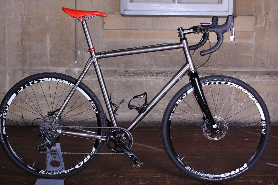 SRAM Force CX1 Groupset - full bike.jpg