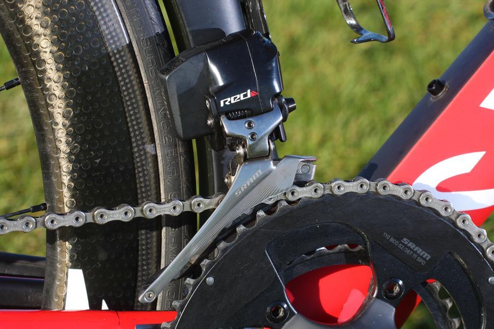 SRAM Red eTap - front mech.jpg
