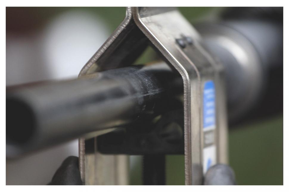 How To Trim A Carbon Fibre Steerer Tube Road Cc