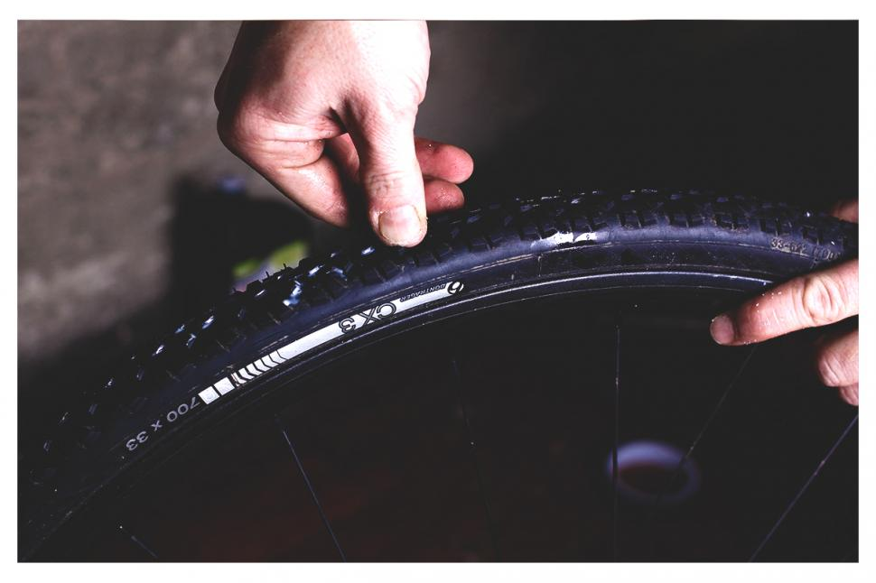 How to fit a tubeless tyre — step 6.jpg
