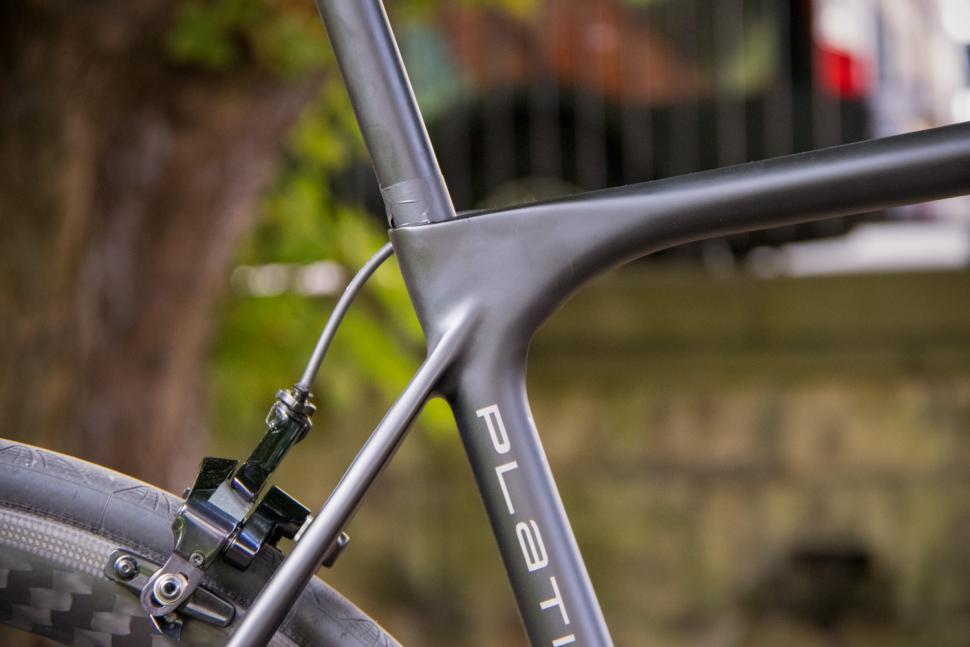 Storck Fascenario.3 Platinum - seat tube junction.jpg