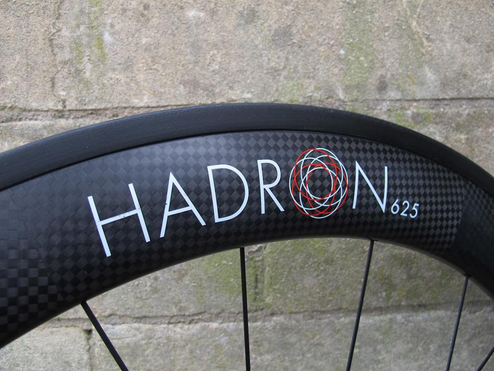 Swissside Hadron Ultimate 625 wheel set - rim decal.jpg