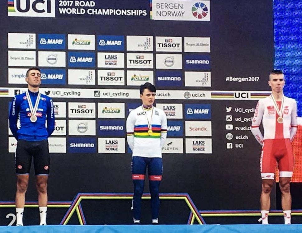 Tom Pidcock on podium after winning junior world time trial championship (picture via Bergen 2017 on Twitter).jpg