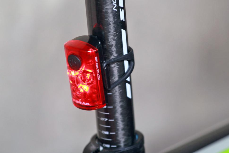 Topeak Mini USB Combo - rear light.jpg