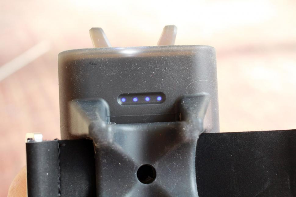 Topeak Smartphone Holder and Powerpack - indicator.jpg