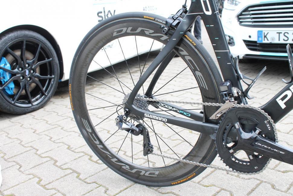 Tour Tech 2017 - Chris Froome Dura-Ace C60 wheels - 2.jpg