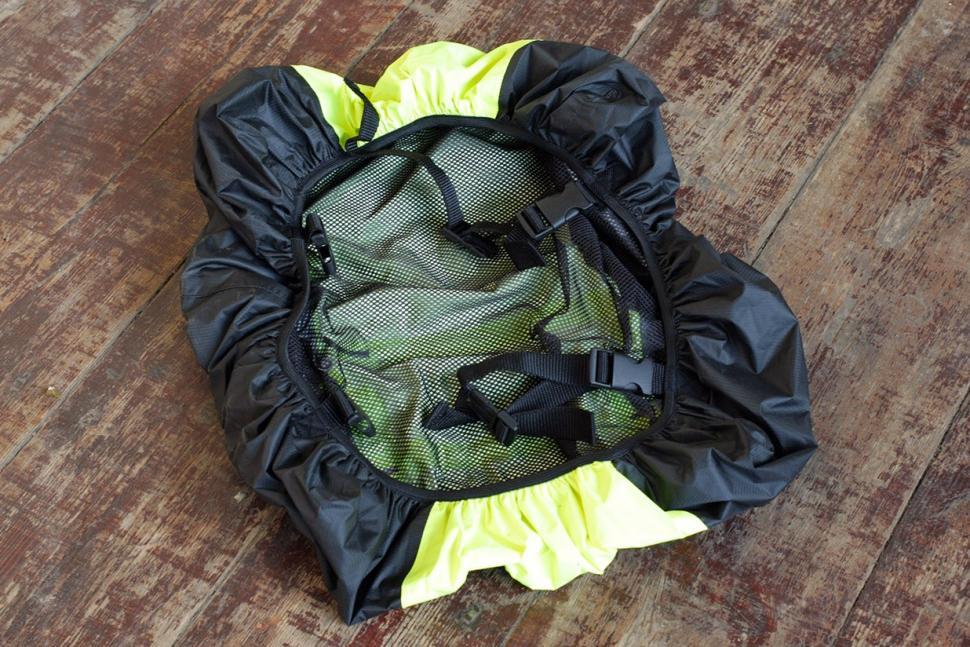 Visijax Backpack Cover - inside.jpg