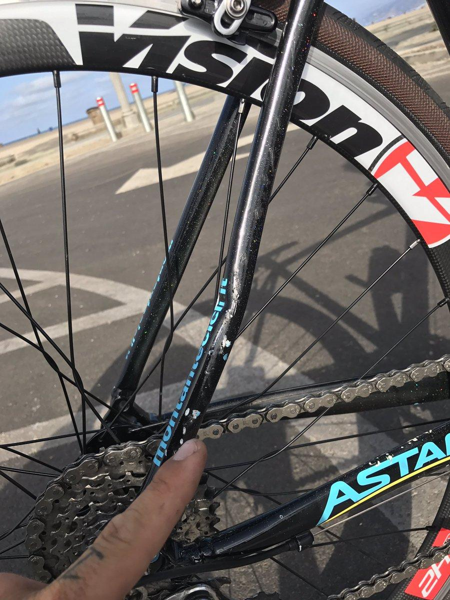 Vittorio Brumotti damaged bike (via Twitter).jpg