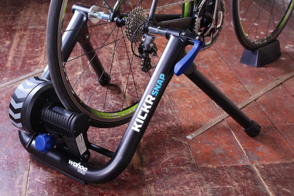 Review Wahoo Kickr Snap Smart Bike Trainer Road Cc