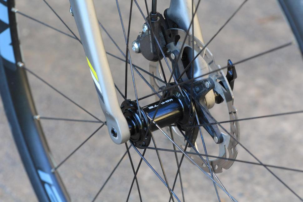 Whyte Wessex - front hub.jpg