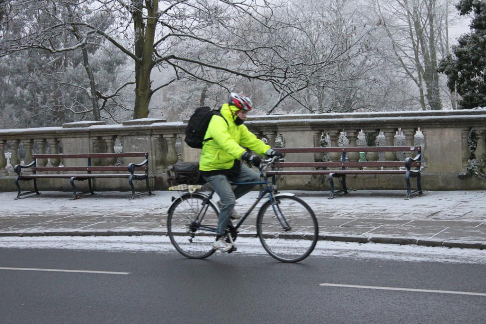 16 winter cycling tips to keep you motivated and battle ...