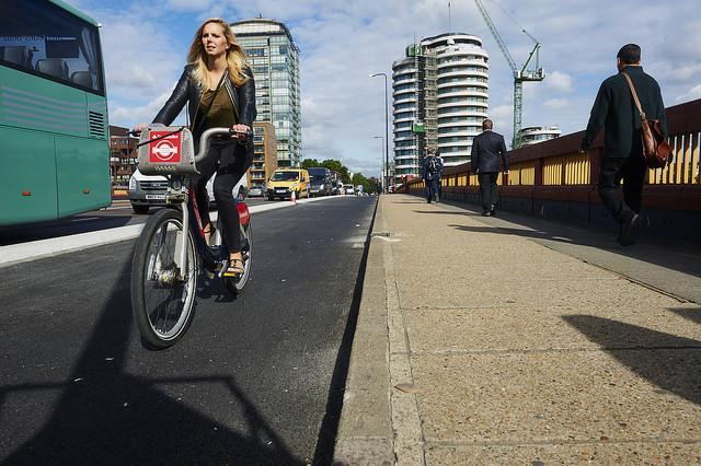 Woman on Santander Cycles hire bike in London (picture copyright Britishcycling.org.uk).jpg