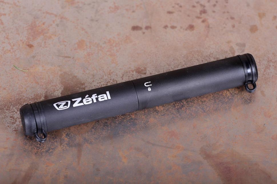"""schrader valve use Nos Zefal 1 Reversible road Bicycle Frame Pump 17/"""" Presta"""