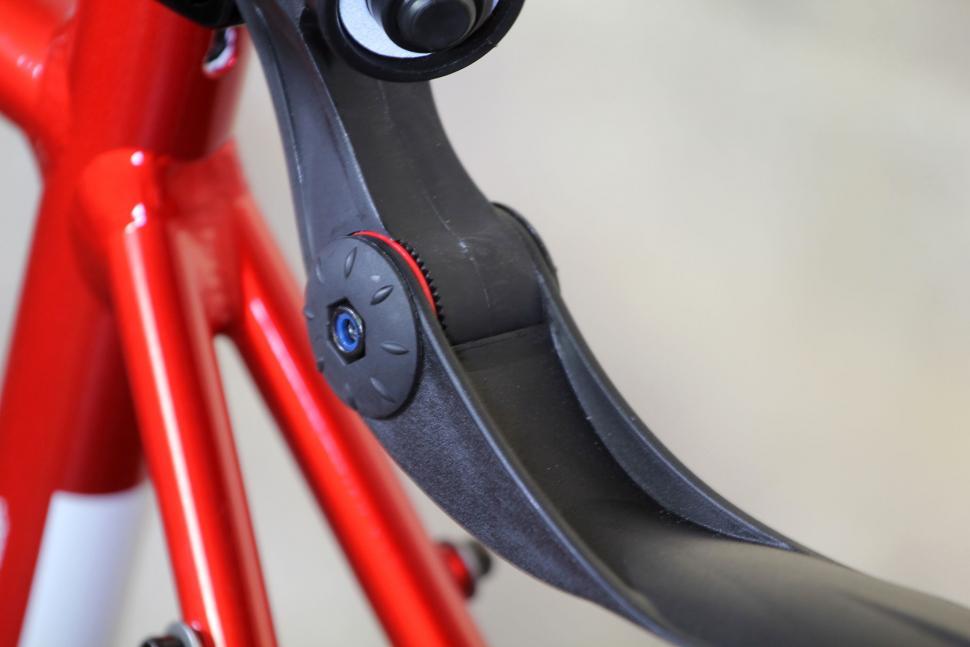 Zefal Swan Road Rear mudguard - angle adjuster.jpg