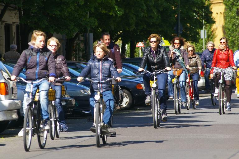 A rather more conventional Berlin bike tour (CC BY Rae Allen|Flickr)