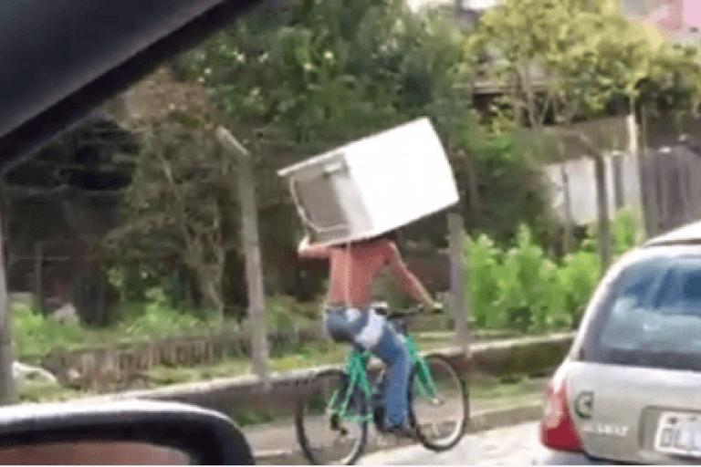Brazil fridge cyclist (Luam Paim Facebook video still).PNG
