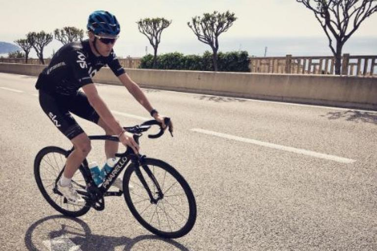Chris Froome back on his bike (via Chris Froome on Twitter).JPG