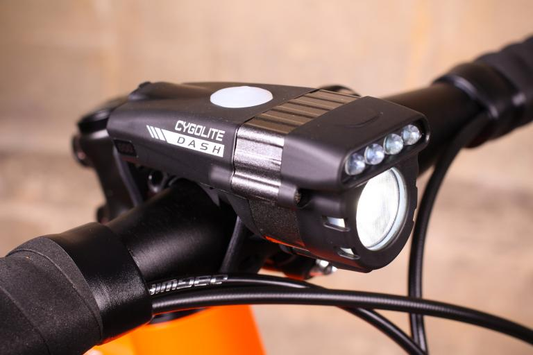 Review Bbb Strike 500 Front Light Road Cc