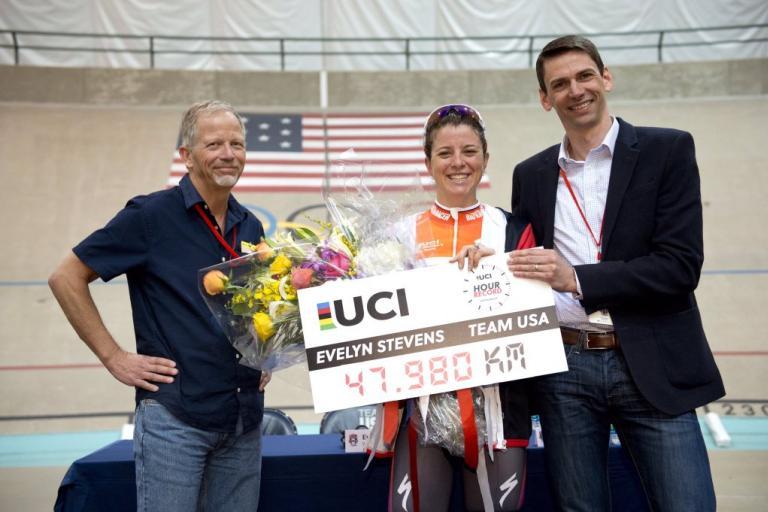 Evelyn Stevens Hour Record (source UCI on Twitter).jpg